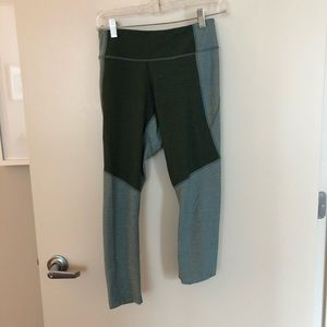 Outdoor Voices leggings in blue/green - size S